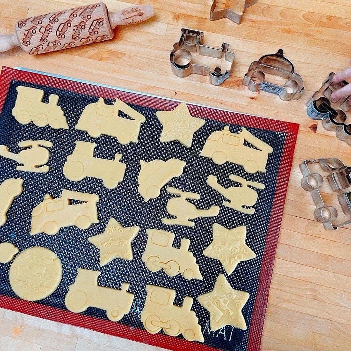 Tapis de cuisson ajourée en silicone noir et rouge Airmat 30 x 40 cm - Silikomart
